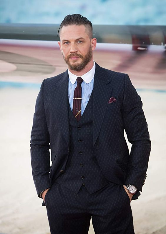 Tom Hardy  Wiki – Biography, Lifestyle, Net Worth, Family, & Favourites